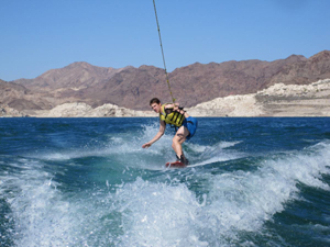 Wakebord at Lake Mead in Las Vegas